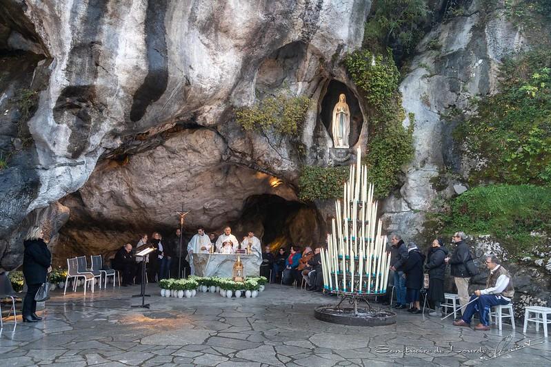 Retour des reliques de Ste Bernadette à Lourdes