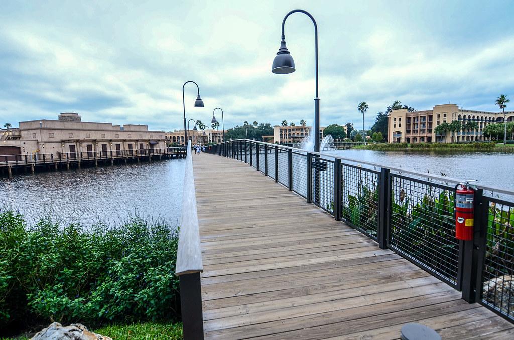 Bridge main Coronado Springs