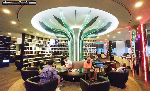 eva air infinity premium lounge sofa