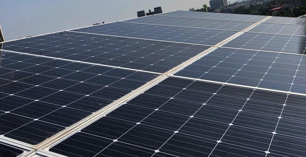 葡萄王廠房多位在北部,葡萄王觀光工廠是少數有裝設光電屋頂的地方。圖片來源:葡萄王生技