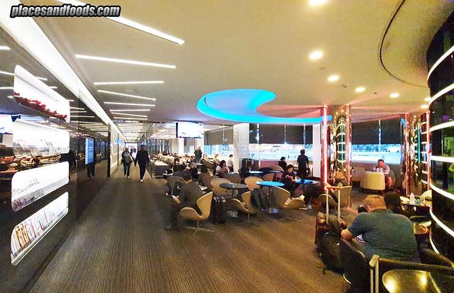 eva air infinity premium lounge space
