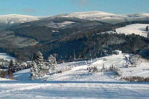 Lyžujte s 30% slevou ve Ski areálu BRANNÁ do konce zimní sezóny 2019/20