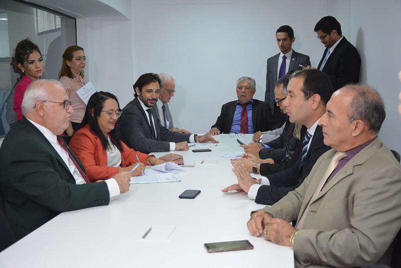 Comissão conjunta de constituição e justiça e meio ambiente