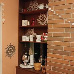 It's #snowing in my #diningroom!#snowflake #decorations #theme #christmas #winter  #midcenturymodern #window #chandelier #❄️ #☃️ #️