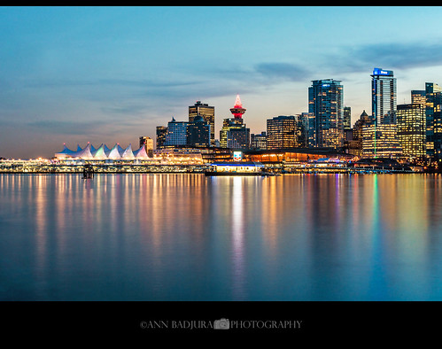 vancouver vancitybuzz vancity downtown bc britishcolumbia canada 604now miss604 insidevancouver colourfulvancouver 24hrvancouver georgiastraight christmas dusk evening photonewsgallery stanleypark stanleyparkseawall canadianbeauty canadaplace harbourcentre vancouverlookout iamcanadian ctvphotos city urban annbadjura photography reflections pnw pacificnorthwest westcoast ourcanada