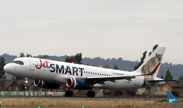 JetSMART A320 CC-AWF take off CCP (RD)
