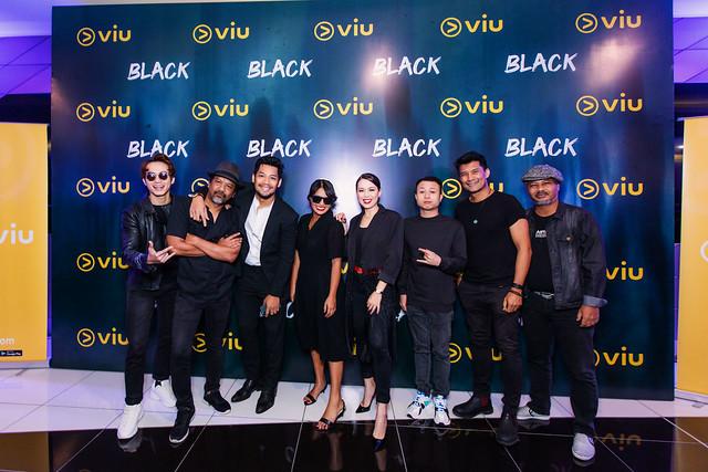 [L-R] Zoey Rahman, Namron, Kamal Adli, Nabila Huda, Siti Saleha, Juzzthin, Rashidi Ishak, Azman Hassan   Cast Of Viu Original _ Black Excited For The Exclusive Premiere Of Black
