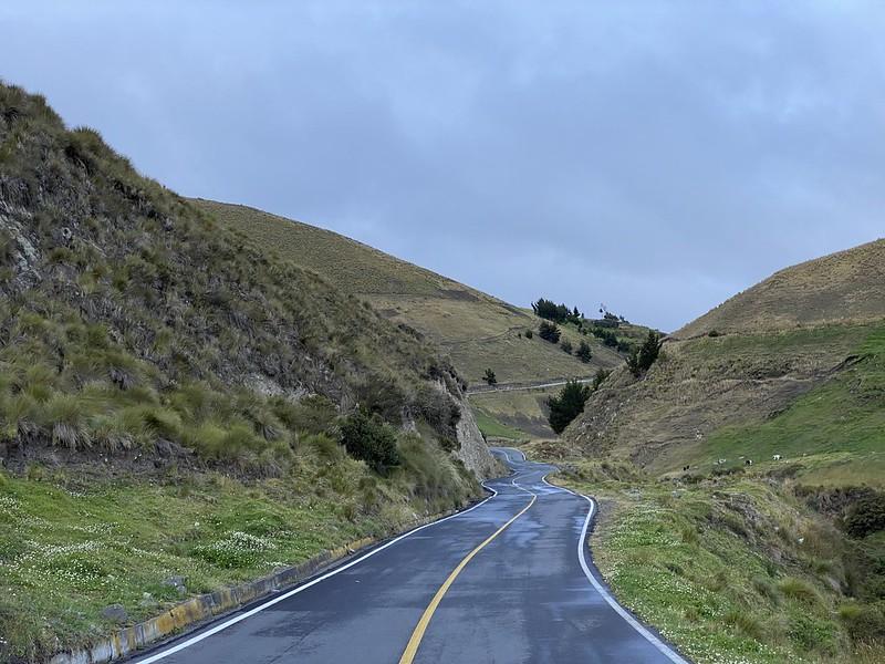 Vía a Ambato at 3,740 meters (12,270 ft) above sea level, the Central Ecuadorian Andes.