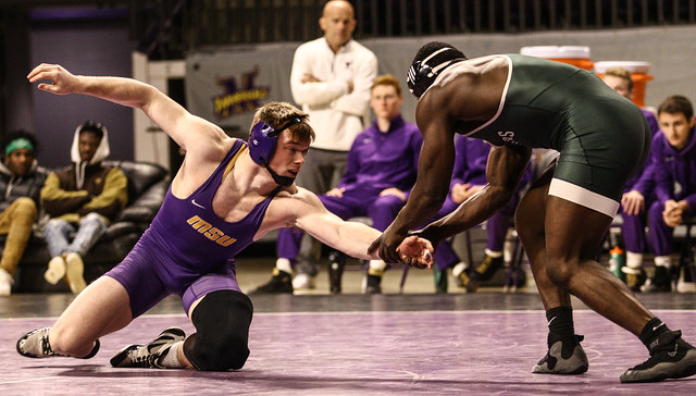 197: Rodsean Graham (UWP) wins 8-7 decision over Mathew Blome (MSU) | 20-15 MSU - 191219mk0082