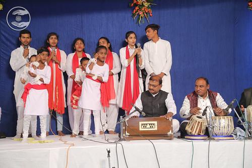 Group song by Deepika Ji and Saathi, Raebareli UP