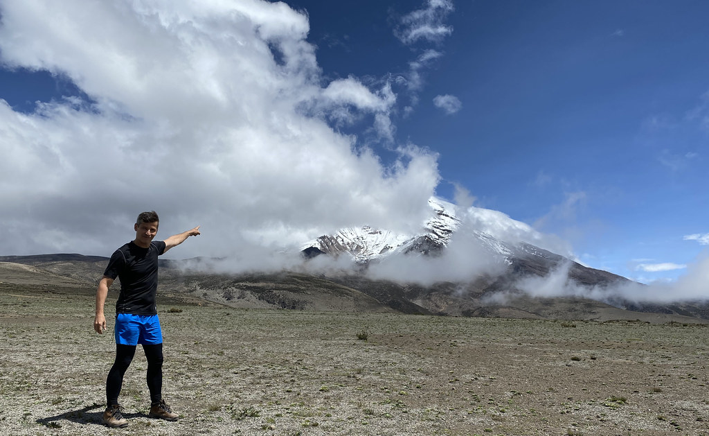 El Chimborazo Volcano at 6,263 meters (20,702 ft) above sea level, the Central Ecuadorian Andes.