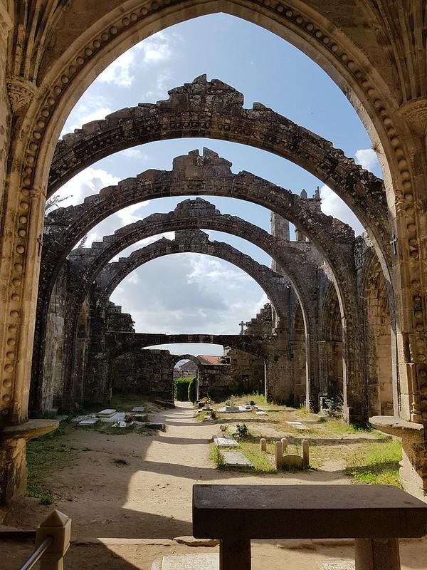 Ruinas de Santa Mariña de Dozo Cambados