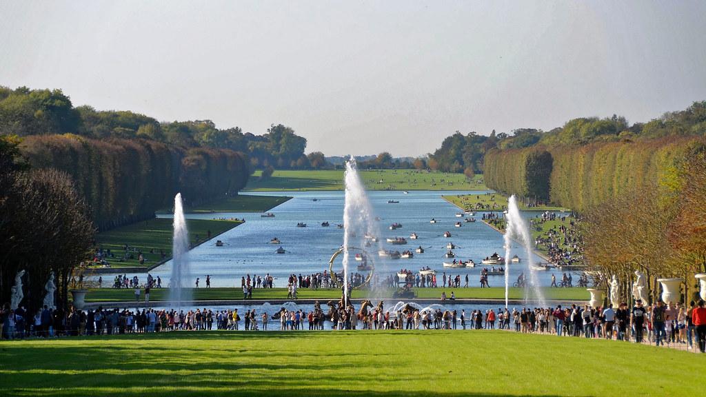 Chateau De Versailles Yvelines Jardins Grand Canal A Photo