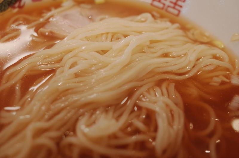 巣鴨ファイト餃子ラーメンの麵