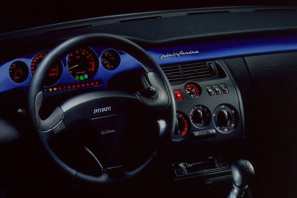 4 Fiat-Coupe-interni