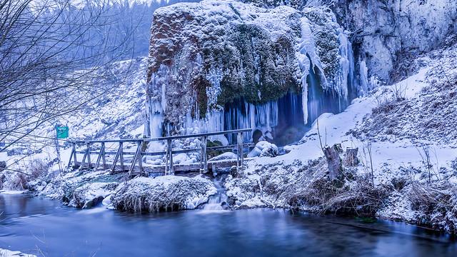 froze waterfall