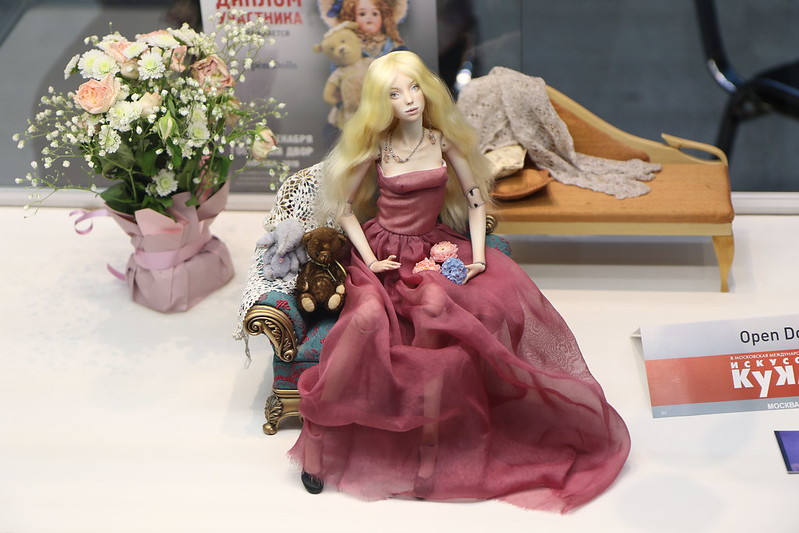 Искусство куклы 2019