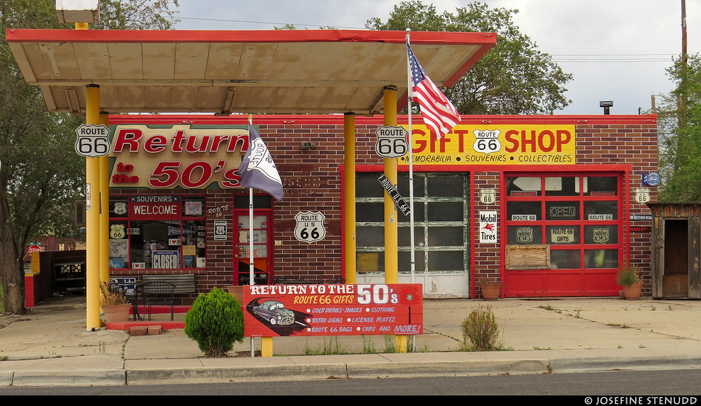20160827_2 Gift shop in Seligman, Arizona, which was all about Route 66 & Americana :B