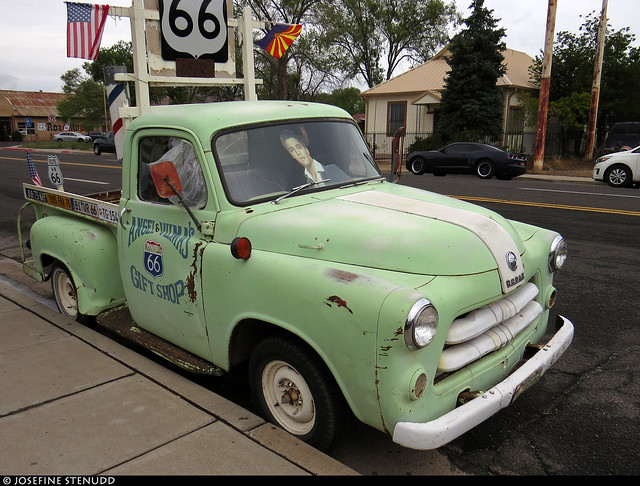 20160827_1 Mint green truck totally driven by Elvis in Seligman, Arizona, which was all about Route 66 & Americana :B