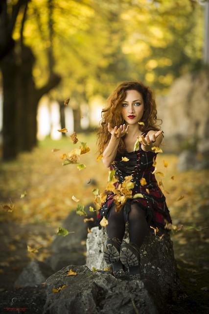 Autumn - Autunno... Model: Marta  #portrait #colours #portraitphotography #autunno #autumn #likeforlikes #sguardo #look #ritratto #art