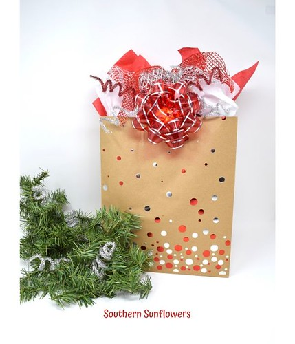 Dollar-Store-Christmas-Gift-Wrapping-Ideas-4