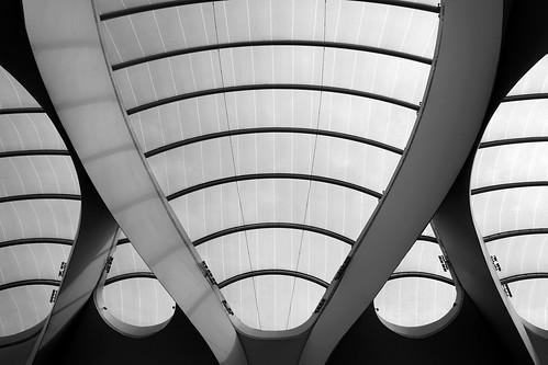 railway station grand central birmingham bahnhof moderne architektur modern architecture bögen bogen curve arch decke ceiling kuppel dome futuristisch futuristic
