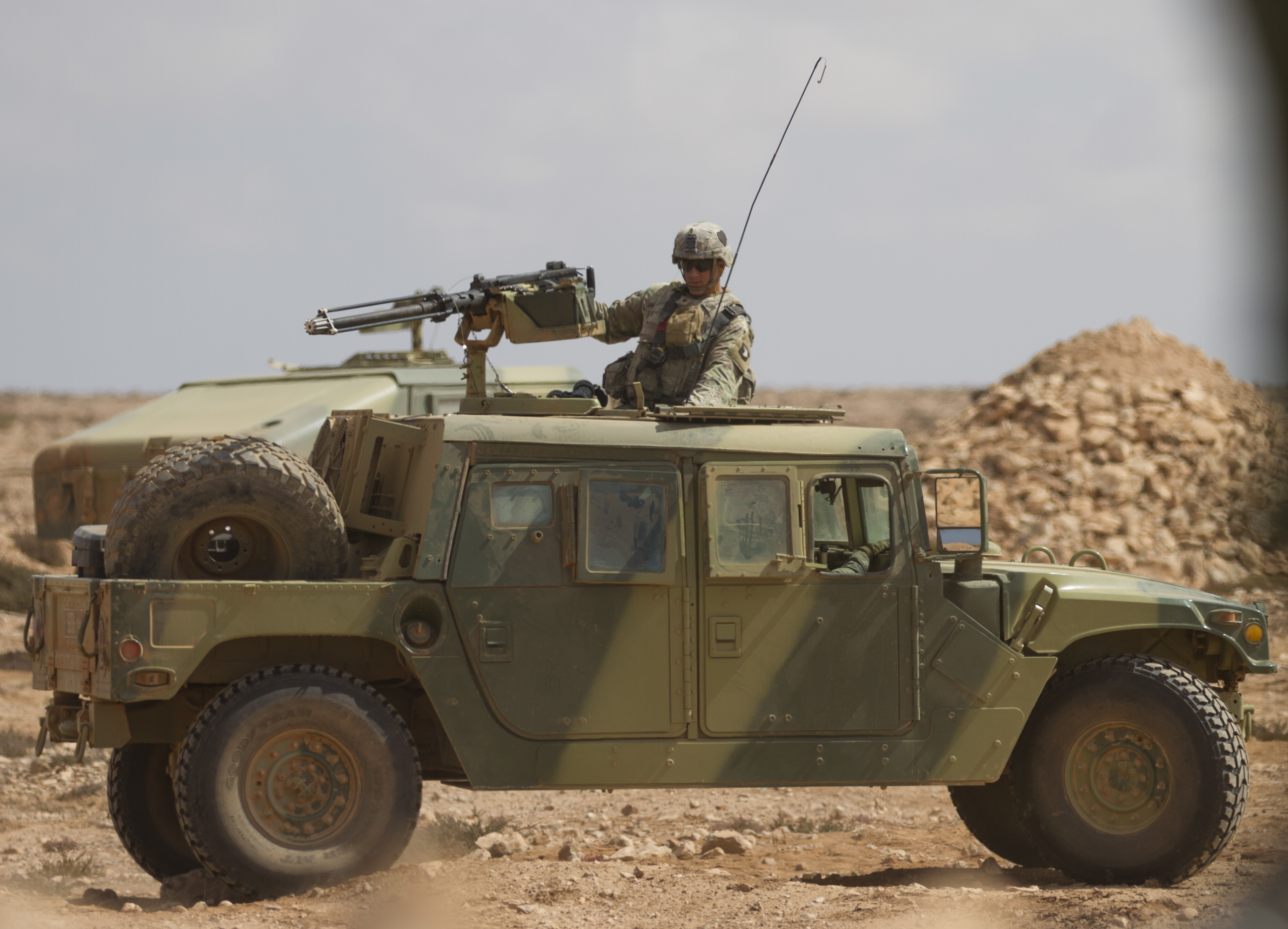 HMMWV et HMMWV Marine Armor Kit (MAK)  - Page 5 49250258406_605eb5ca15_o