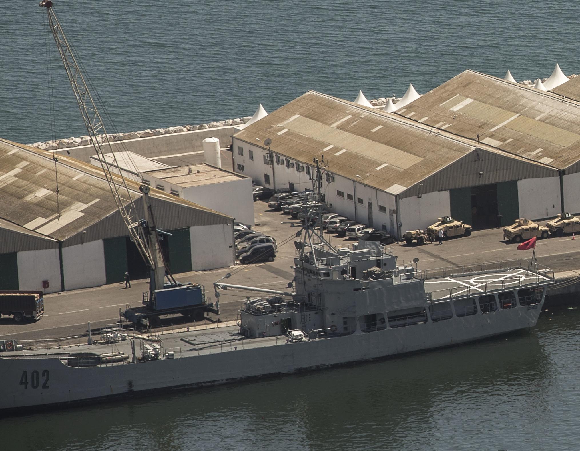 Royal Moroccan Navy Batral LST Class / Batral marocains classe Daoud Ben Aïcha - Page 4 49250844171_b30d1b7b09_o