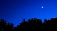 Creciente con Saturno durante Hora Azul