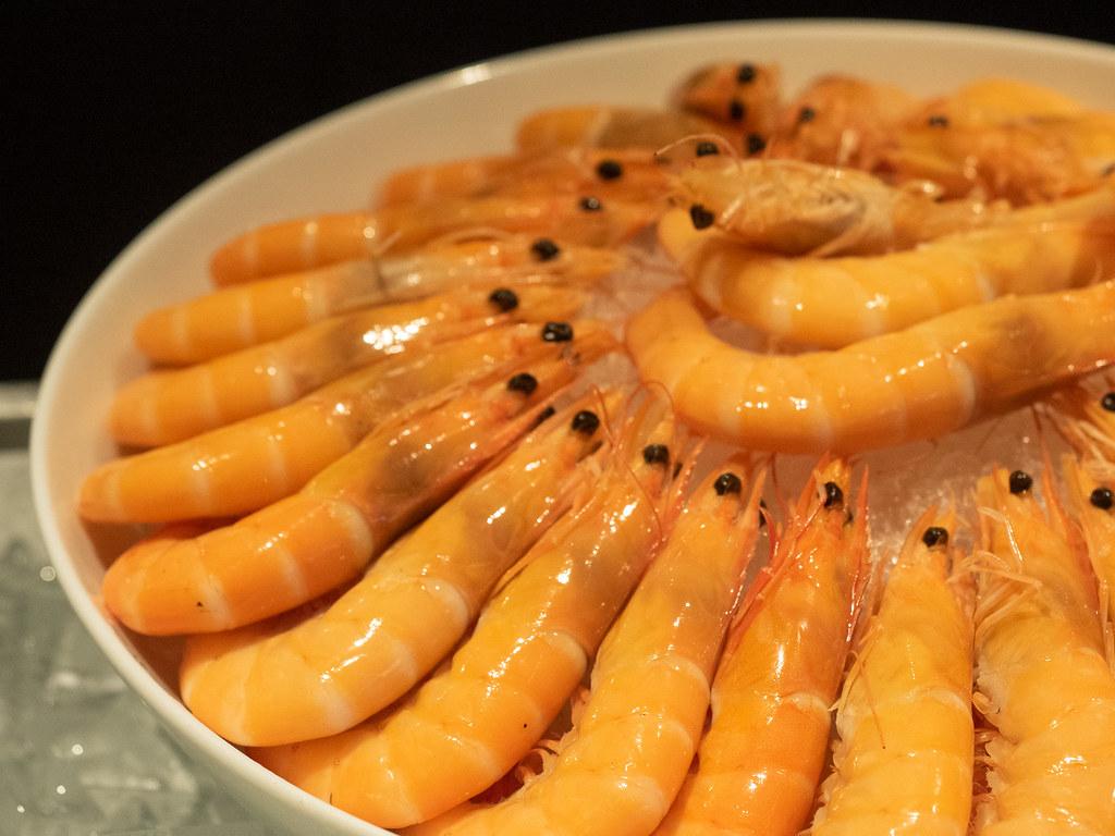 Fresh prawns from the seafood corner of Four Seasons Kuala Lumpur Christmas Buffet
