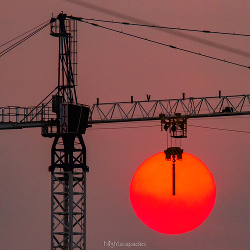 australia bushfire climatechange colour crane fire kirrawee light red silhouette smoke sun sunset sutherlandshire sydney newsouthwales
