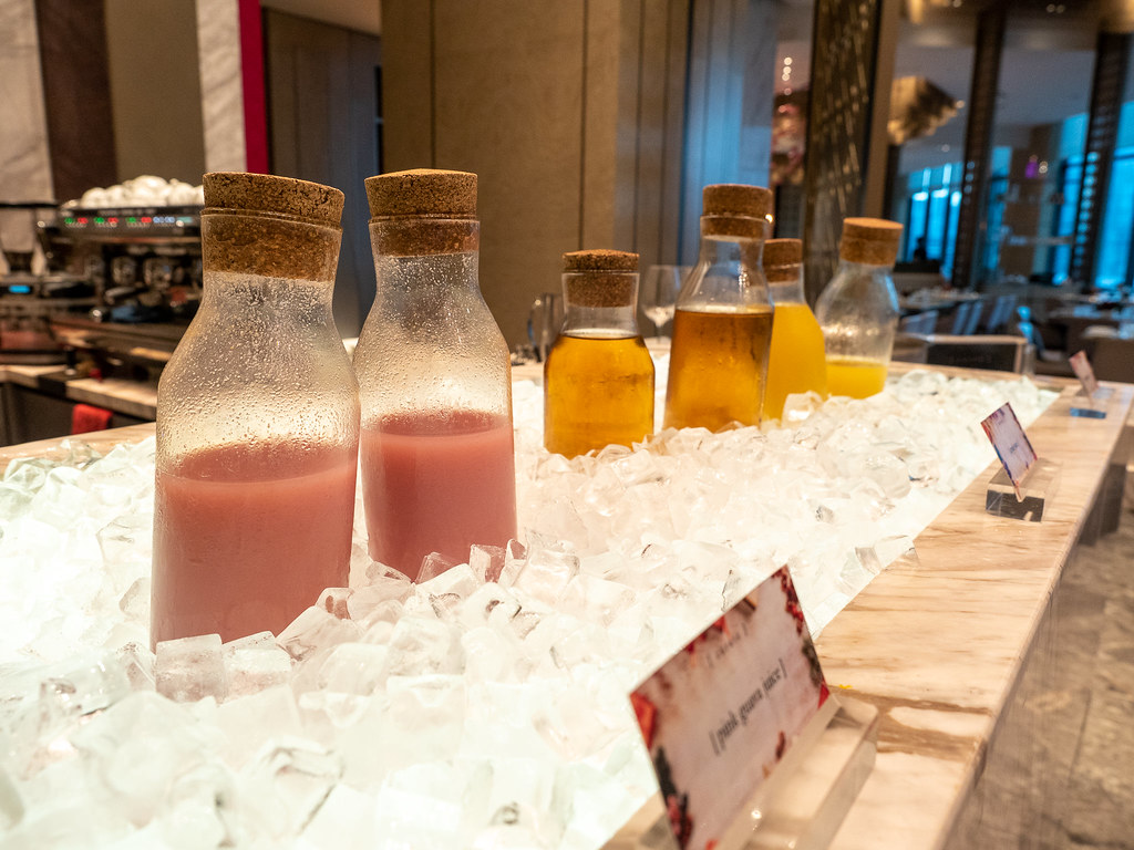 Freshly made fruit juices in Curate buffet restaurant.