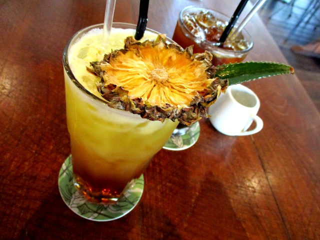 Commons, Kuching pineapple ginger iced tea
