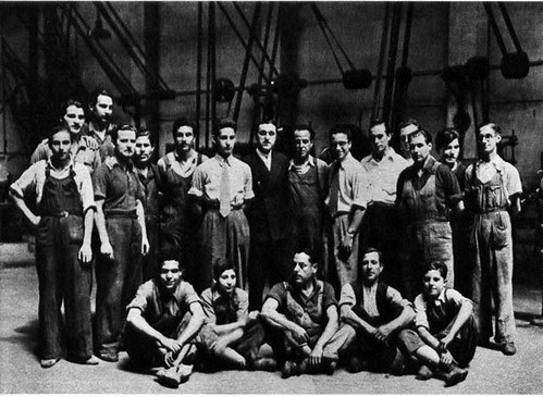 plantilla empresa Talleres Sanglas l'any 1945 amb els gernans Sanglas