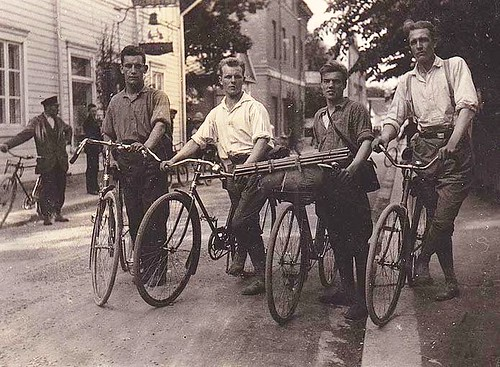 men with their cycles 1930