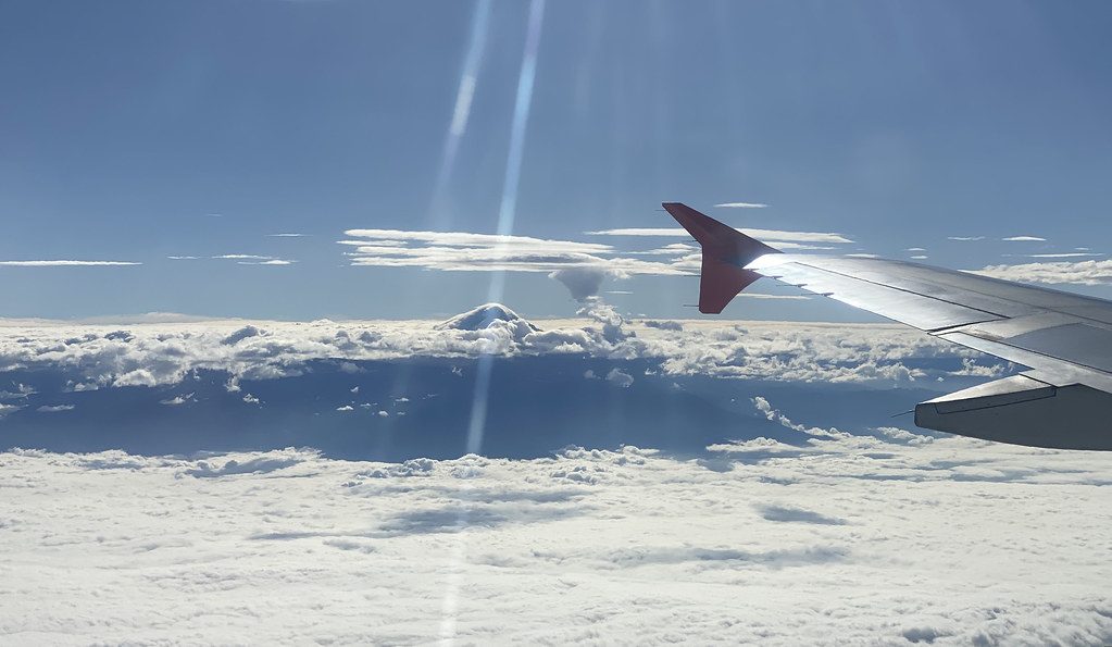 Flying to some islands, 'el Chimborazo' (6,023m) from the … | Flickr