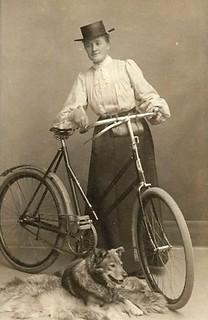 lady.dog.bike 1902