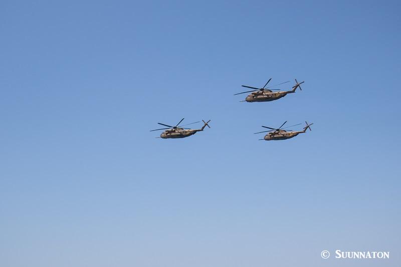 Israelin itsenäisyyspäivä, lentonäytös, helikopterit