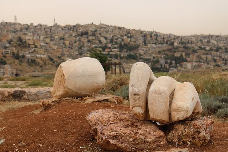 Amman, Temple of Hercules, käsi