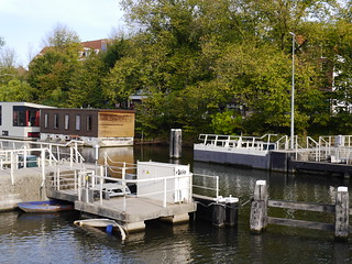 Free photo Amsterdam: picture of water locks in the canal NieuweVaart with autumn trees