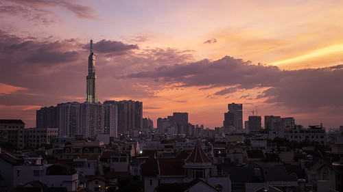 saigon hochiminh city skyline thao dien landmark81 vinhomes central park asia sunset sky clouds red orange pink vietnam skyscraper buildings street panorama landscape cityscape