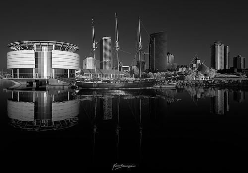 spasojevic monoart nenografiacom sonyalpha saleboat blackandwhite white drama travel infraredlight 830nm reflection nenadspasojevicart bw black shadow silentmoves sony wi sun sunrise morning nenad sunlight milwaukee a7r ir tones ship wisconsin infrared 2019 architecture fineart shades buildings light monochrome chicago illinois il