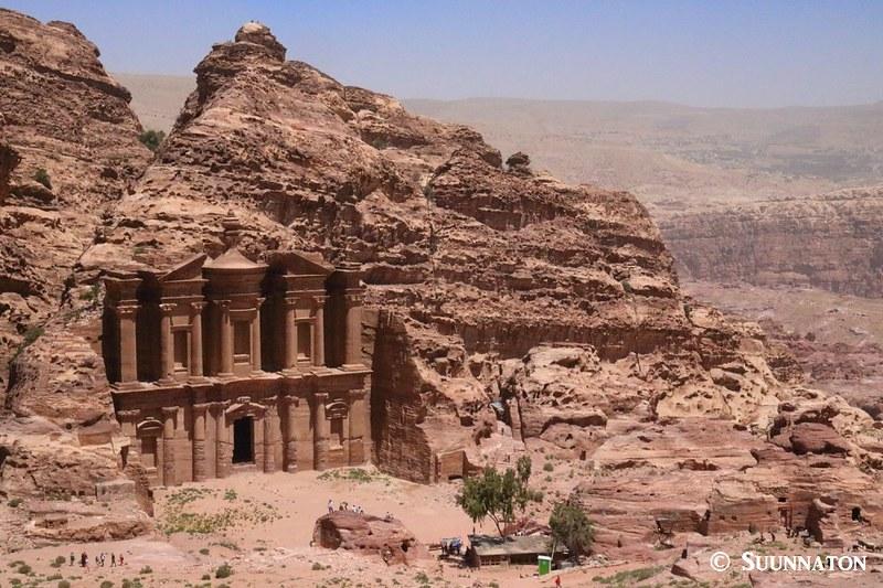 Luostari, Petra