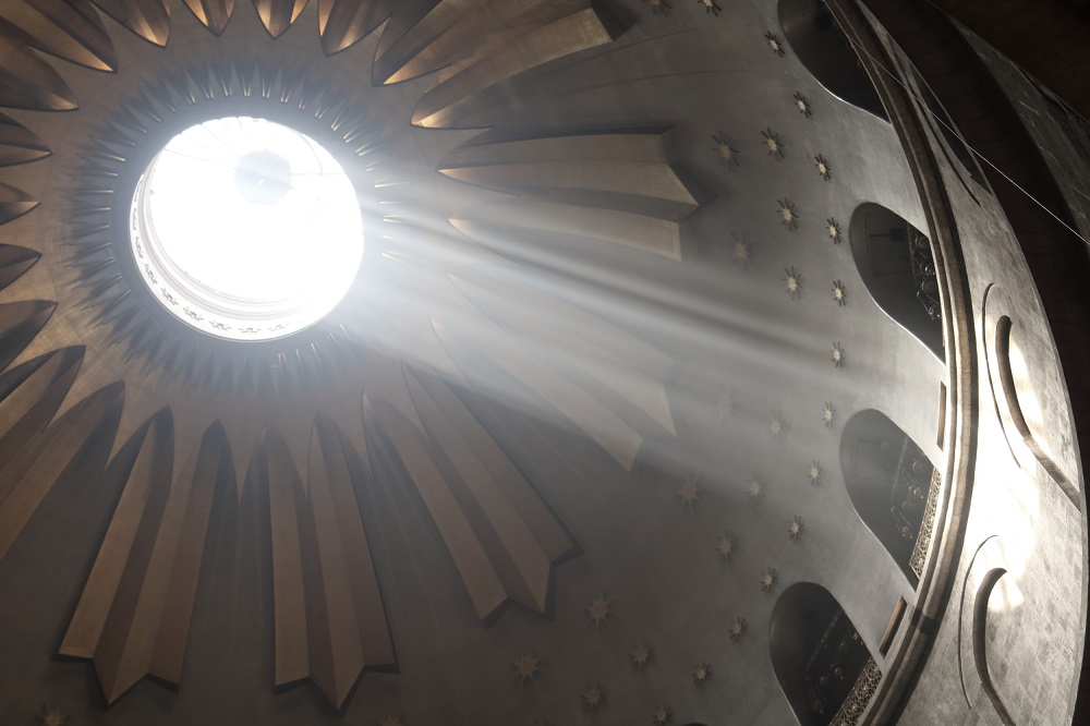 Jerusalem, Pyhän Haudan kirkko, valonsäteet