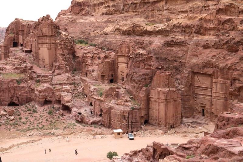 The Street of Facades korkealta, Petra