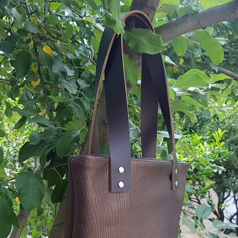 Genoa tote in leather
