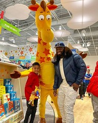 Toys 'R' Us Is Rented For  Cent's for Son Before Christmas