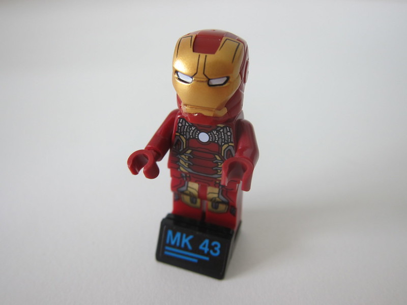 LEGO The Hulkbuster: Ultron Edition 76105 - 2018 Iron Man Mark 43 Minifigure