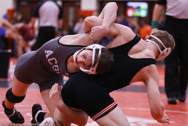 132 - Semifinal - Charlie Pickell (Mankato West) 12-2 won by tech fall over Ramzee Molinaro (Atwater-Cosmos-Grove City) 16-3 (TF-1.5 4:33 (20-5)) 191221amk0011