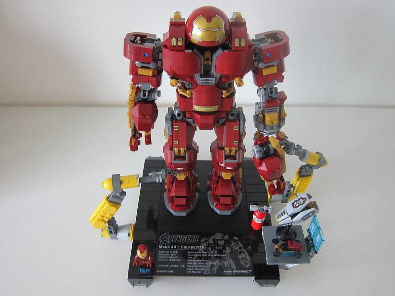 LEGO The Hulkbuster: Ultron Edition 76105 - Full Set